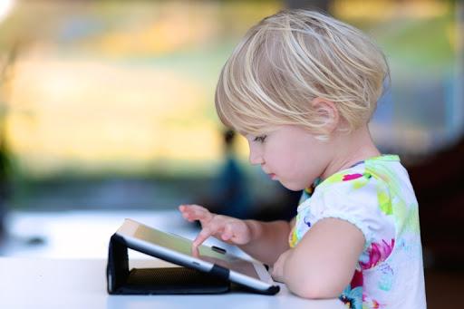 เทคโนโลยีกับเด็กเล็ก