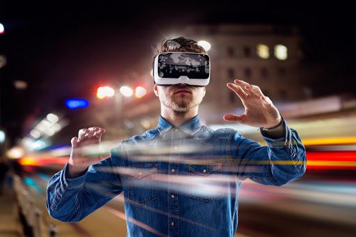 เทคโนโลยีแว่นตา VR -เป็นประสบการณ์ใหม่ ๆ
