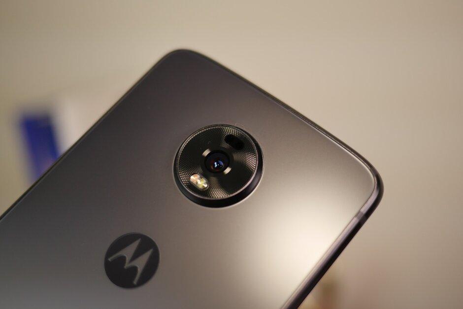 โทรศัพท์ Motorola ที่น่าจะใช้ชิพ Snapdragon 888 ใ