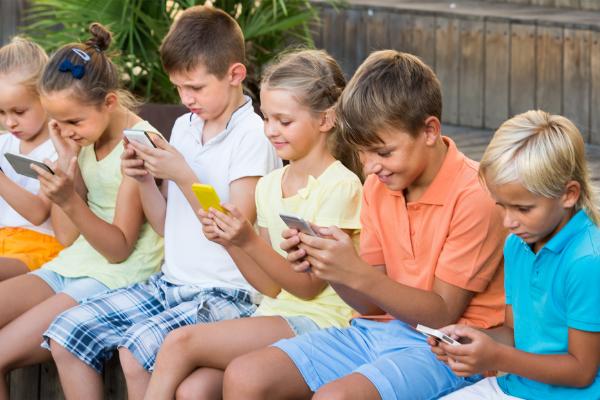 Instagram ได้ถูกเรียกร้องให้หยุดพัฒนาสำหรับในเด็ก